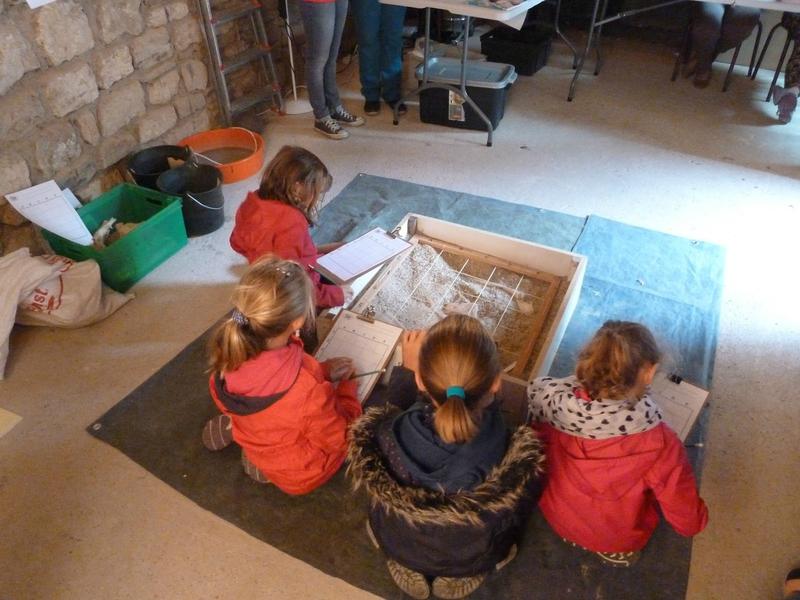 Le Centre d'Archéologie du Pays Albigeois (CAPA) dans la maison de la Porte de la Jane - Atelier archéologie pour enfants