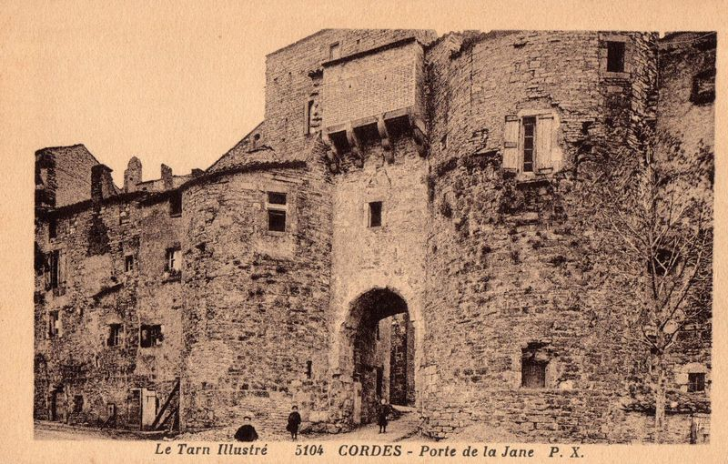 Cordes sur Ciel - Porte de la Jane après premières restaurations