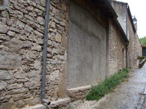 Cordes sur Ciel - Mur en béton