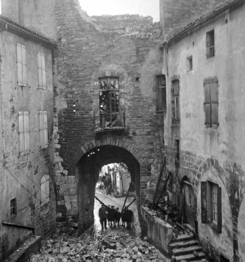 Porte des Ormeaux en ruine